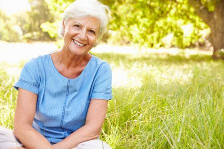 безопасность пожилых людей летом